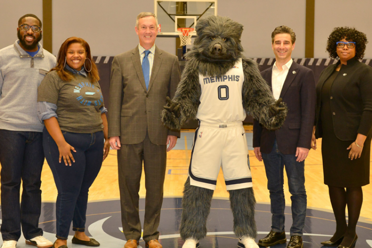 Secretary Hargett with Memphis Grizzlies Leadership