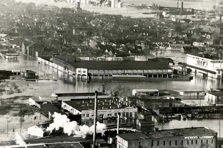 picture of Nashville during the flood of 1937